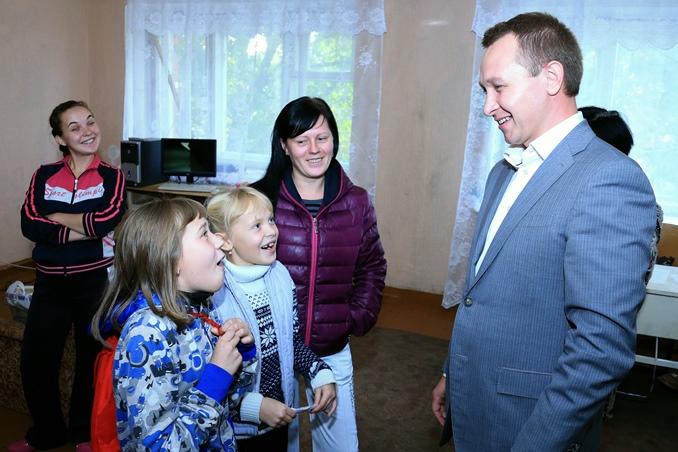 Жители Украины получили гуманитарную помощь от омских общественников.